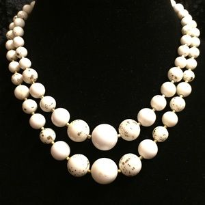 Jewelry - Vintage 2-strand Speckled Bead Necklace JJ008